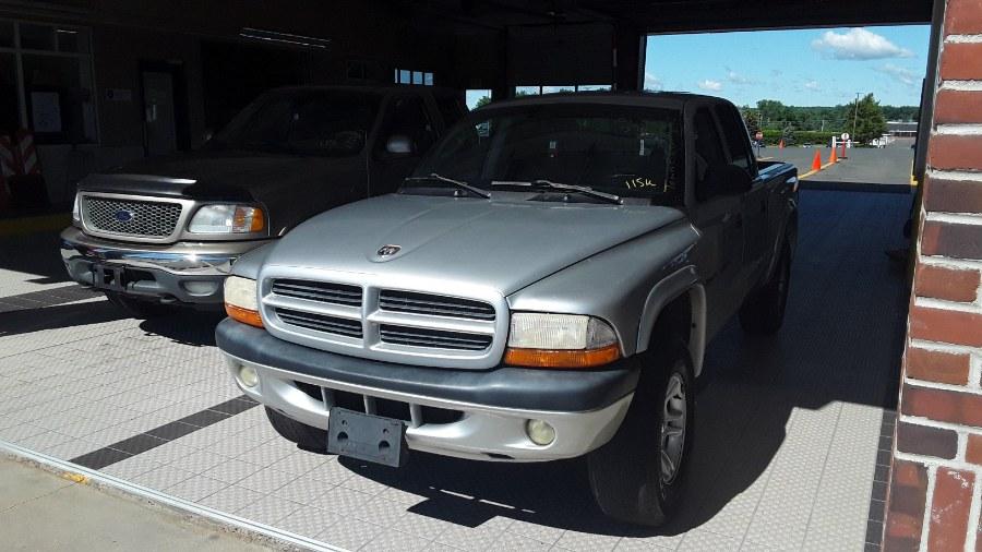 "Used Dodge Dakota Quad Cab 131"" WB 4WD SLT 2001 | Payless Auto Sale. South Hadley, Massachusetts"