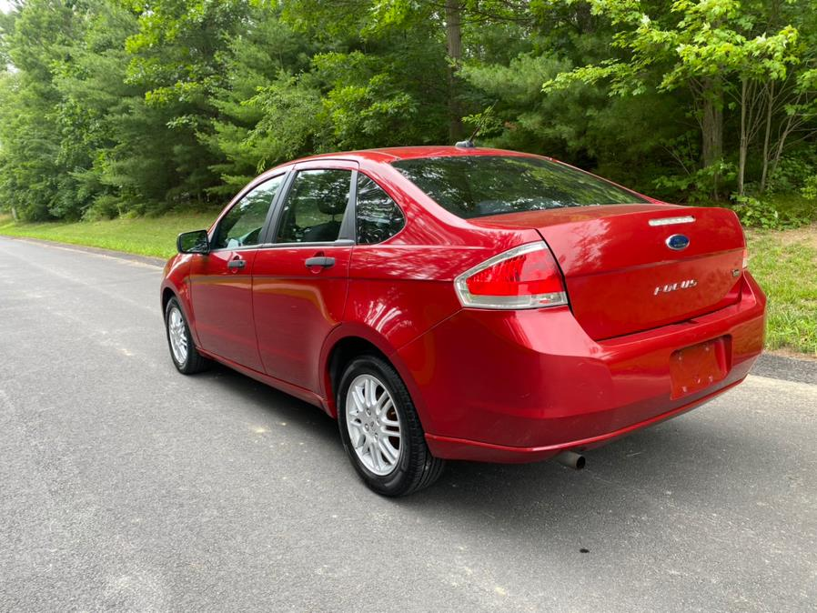 Used Ford Focus 4dr Sdn SE 2011 | Gas On The Run. Swansea, Massachusetts