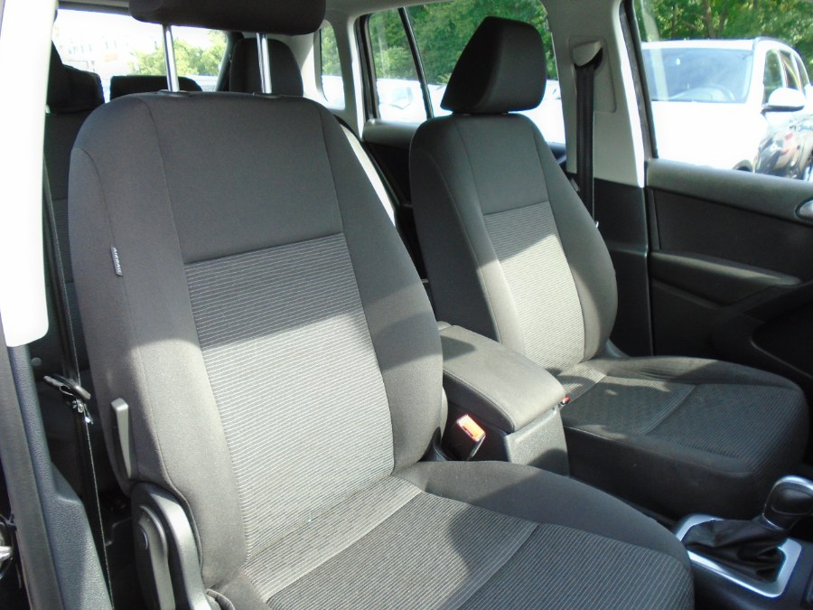 Used Volkswagen Tiguan Limited 2.0T 4MOTION 2018   Jim Juliani Motors. Waterbury, Connecticut