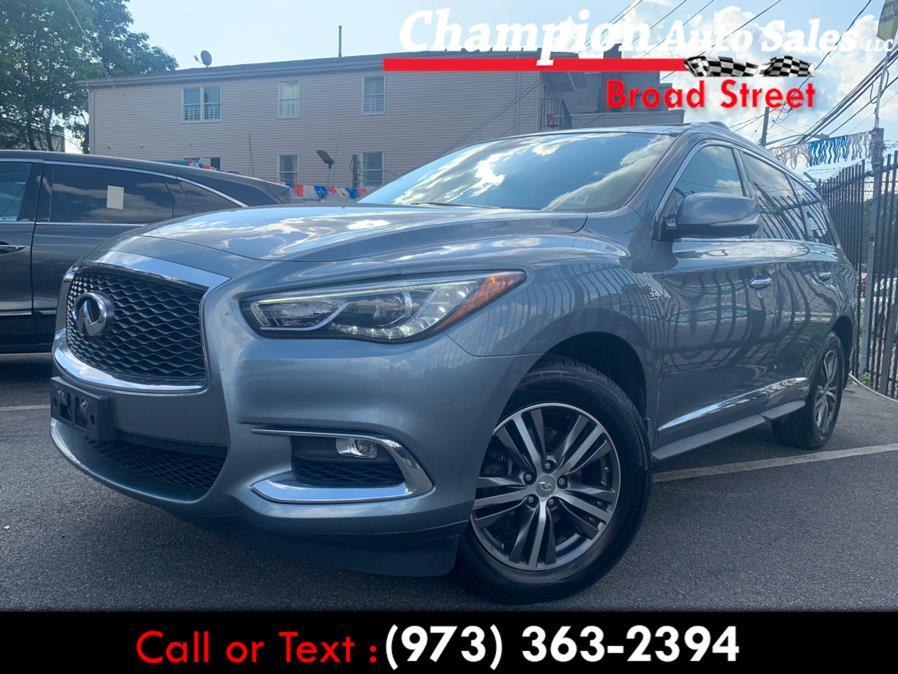 Used 2017 INFINITI QX60 in Newark, New Jersey | Champion Used Auto Sales LLC. Newark, New Jersey