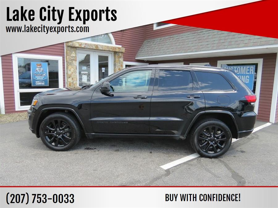 Used Jeep Grand Cherokee Altitude 4x4 4dr SUV 2017 | Lake City Exports Inc. Auburn, Maine