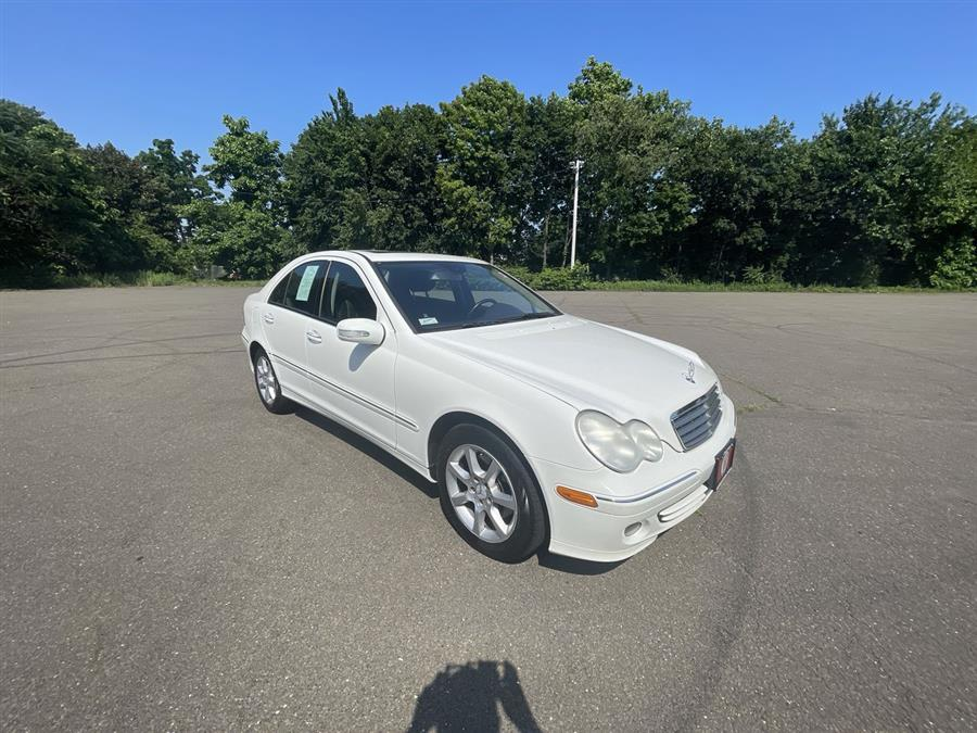 Used 2007 Mercedes-Benz C-Class in Stratford, Connecticut | Wiz Leasing Inc. Stratford, Connecticut