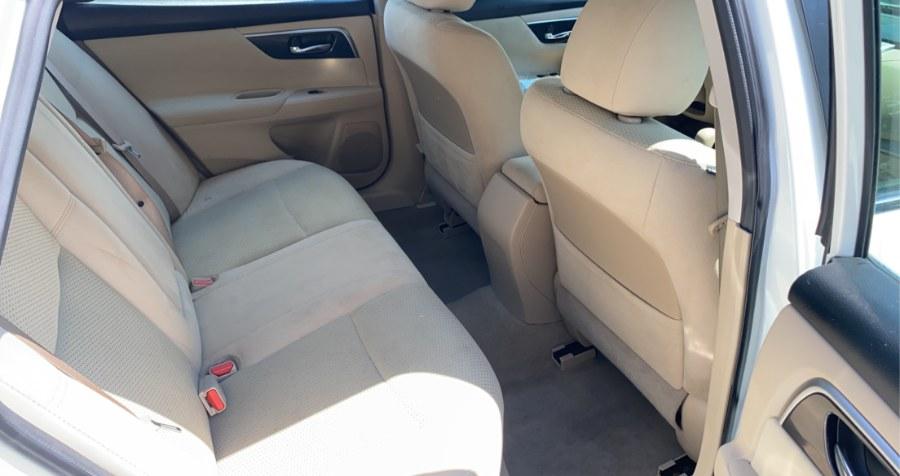 Used Nissan Altima 2.5 S 2014 | West End Automotive Center. Waterbury, Connecticut