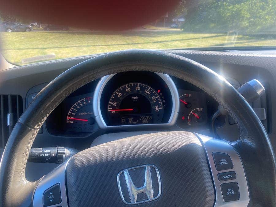 Used Honda Ridgeline RTL AT with MOONROOF 2006 | Vertucci Automotive Inc. Wallingford, Connecticut