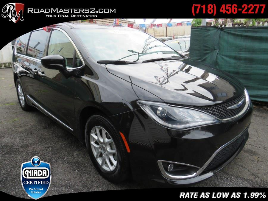 Used Chrysler Pacifica Touring L FWD 2020 | Road Masters II INC. Middle Village, New York