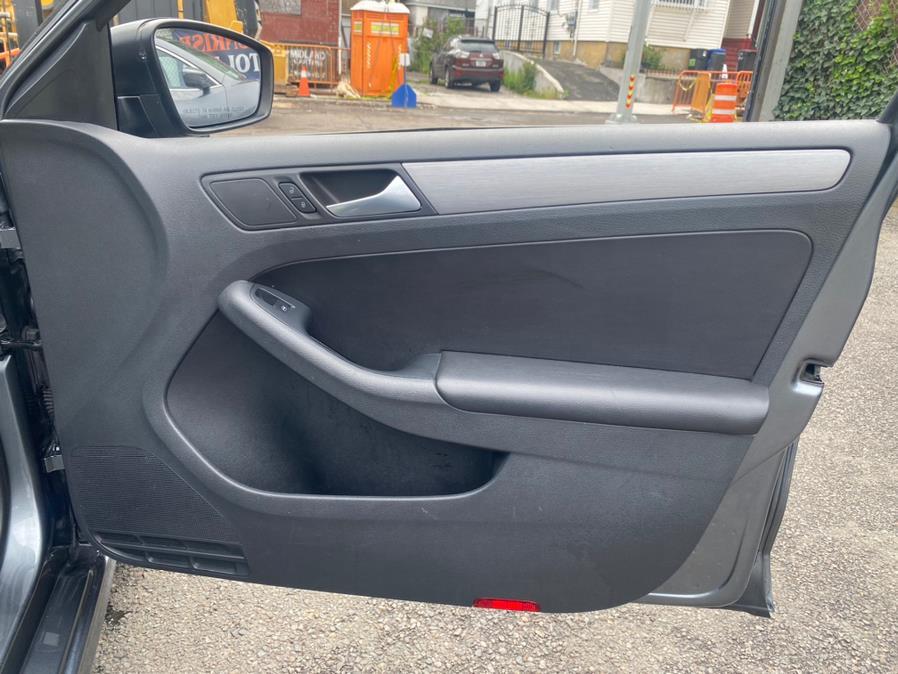 Used Volkswagen Jetta Sedan 4dr Man 1.8T Sport PZEV 2016 | Sunrise Autoland. Jamaica, New York