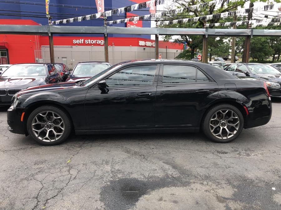 Used Chrysler 300 4dr Sdn 300S RWD 2015 | Champion Auto Sales Of The Bronx. Bronx, New York