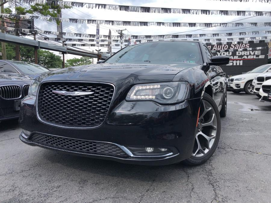 Used 2015 Chrysler 300 in Bronx, New York | Champion Auto Sales Of The Bronx. Bronx, New York