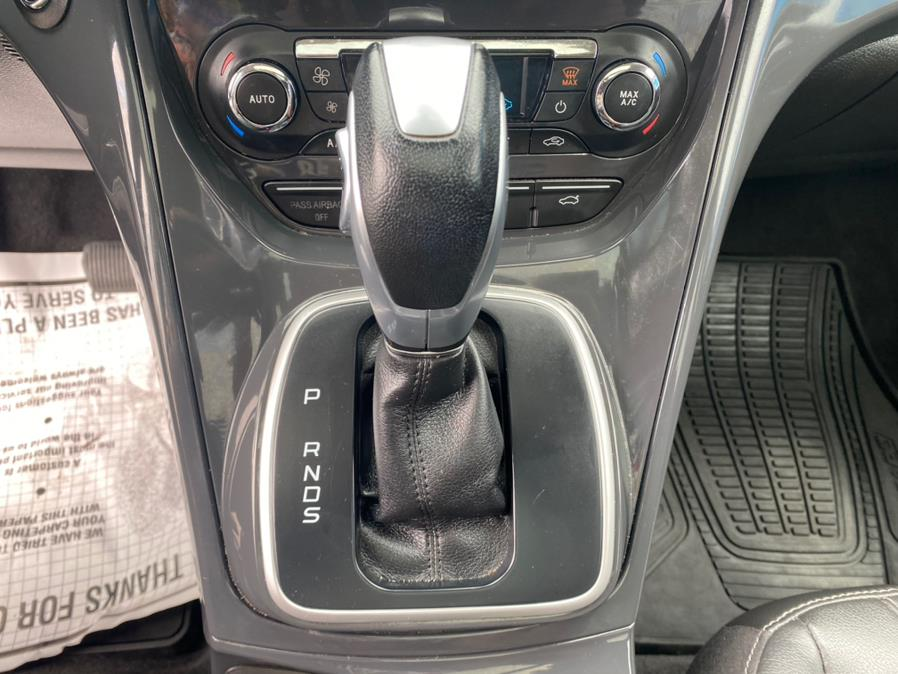 Used Ford Escape 4WD 4dr Titanium 2013 | Rite Cars, Inc. Lindenhurst, New York