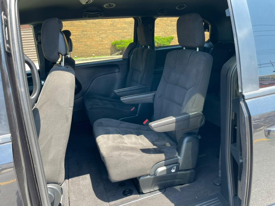 2017 Dodge Grand Caravan SE Plus Wagon, available for sale in Brooklyn, NY