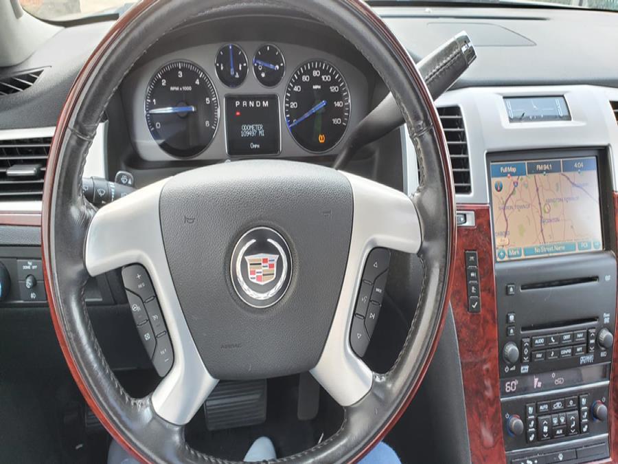 Used Cadillac Escalade ESV AWD 4dr 2008   Capital Lease and Finance. Brockton, Massachusetts