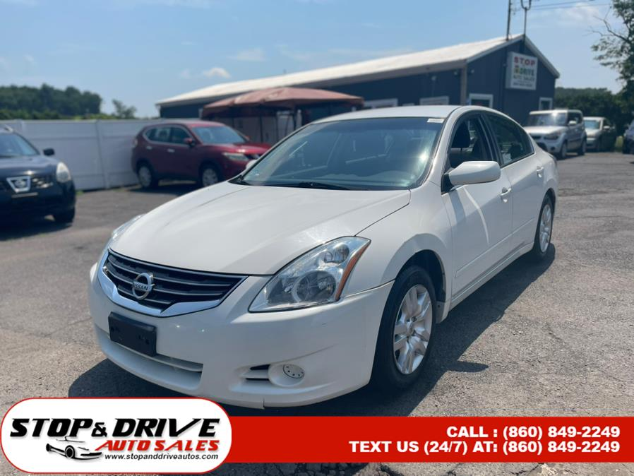 Used 2011 Nissan Altima in East Windsor, Connecticut | Stop & Drive Auto Sales. East Windsor, Connecticut