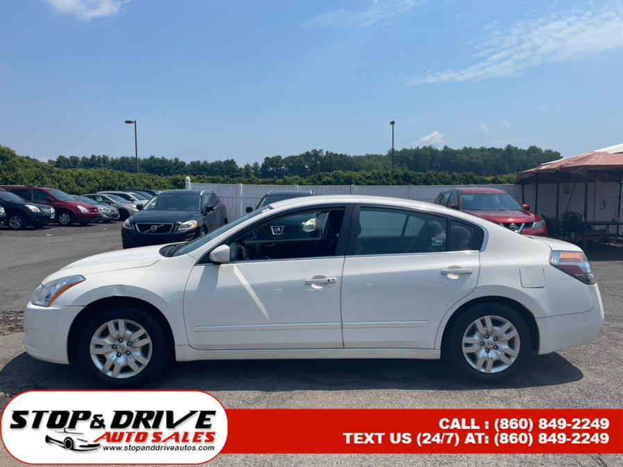 Used Nissan Altima 4dr Sdn I4 CVT 2.5 S 2011 | Stop & Drive Auto Sales. East Windsor, Connecticut