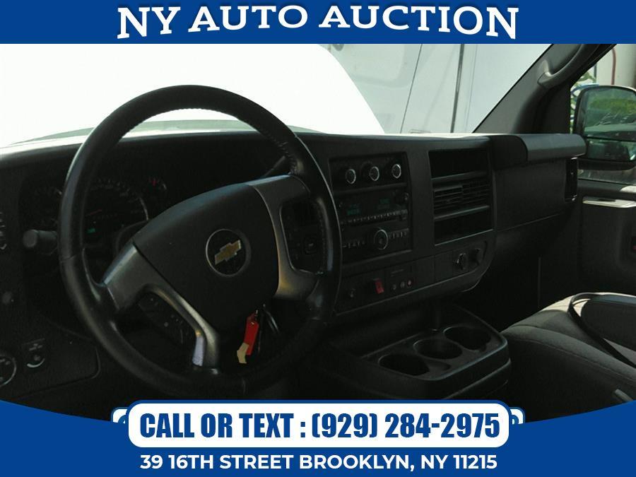 "Used Chevrolet Express Cargo Van RWD 1500 135"" 2014 | NY Auto Auction. Brooklyn, New York"