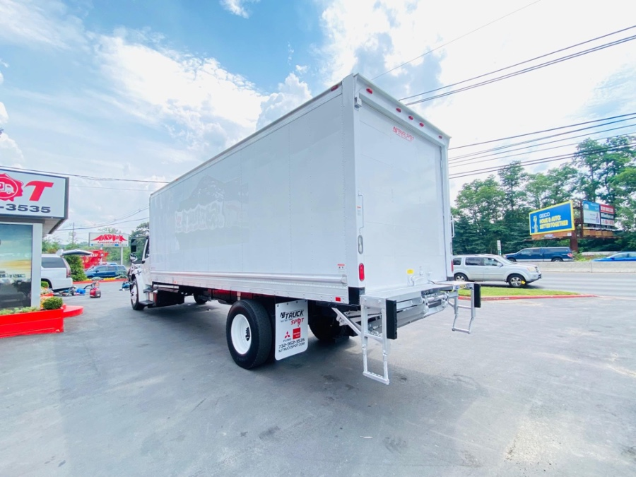 Used FREIGHTLINER M2 106 24 FEET DRY BOX + LIFT GATE + NO CDL 2013 | NJ Truck Spot. South Amboy, New Jersey