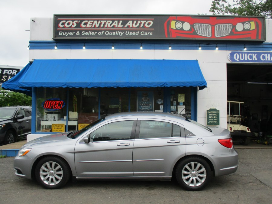 Used Chrysler 200 4dr Sdn Touring 2013 | Cos Central Auto. Meriden, Connecticut