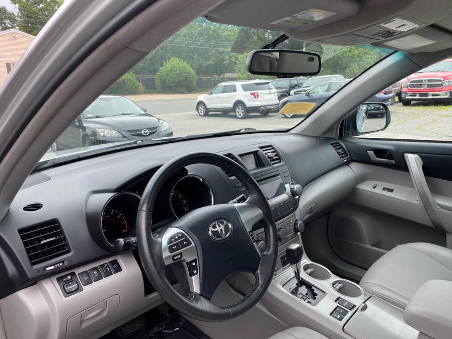 Used Toyota Highlander 4WD 4dr V6 2012   New Beginning Auto Service Inc . Ashland , Massachusetts