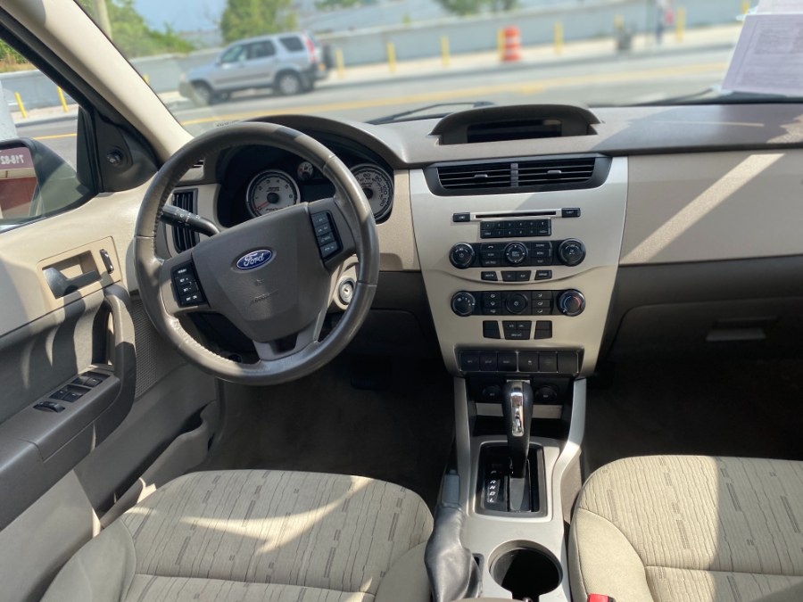 Used Ford Focus 4dr Sdn SE 2010 | Middle Village Motors . Middle Village, New York