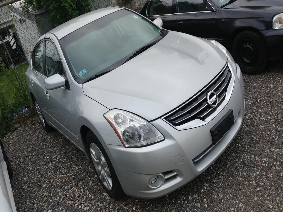 Used Nissan Altima 4dr Sdn I4 CVT 2.5 S 2012 | Matts Auto Mall LLC. Chicopee, Massachusetts