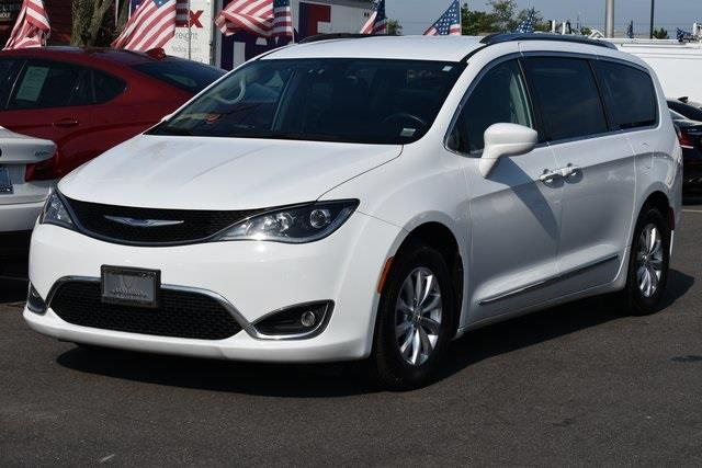 Used 2018 Chrysler Pacifica in Valley Stream, New York | Certified Performance Motors. Valley Stream, New York