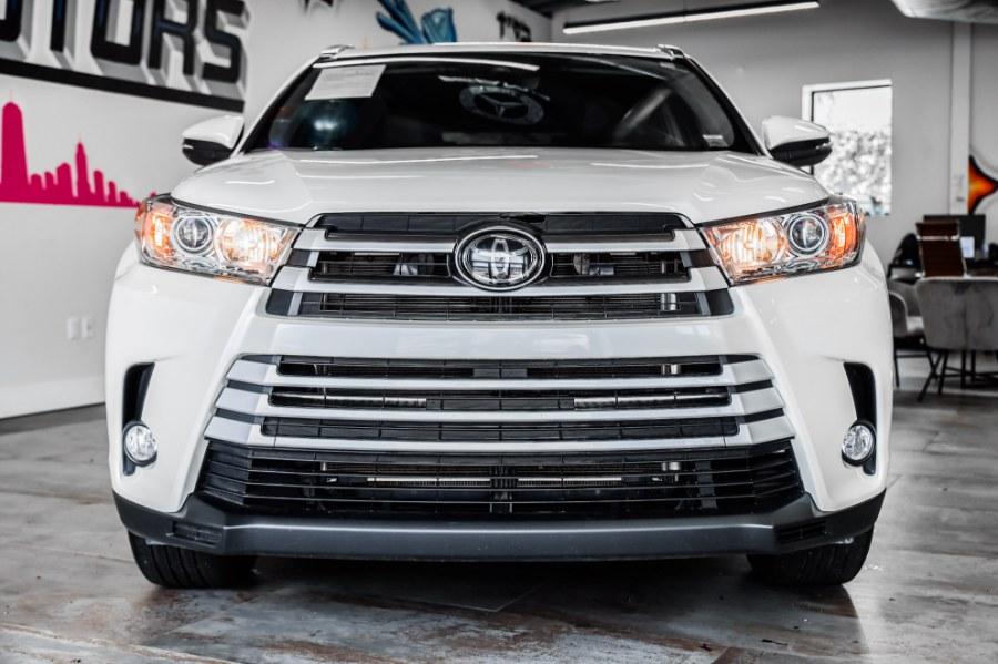 Used Toyota Highlander XLE XLE V6 AWD (Natl) 2019 | Jamaica 26 Motors. Hollis, New York