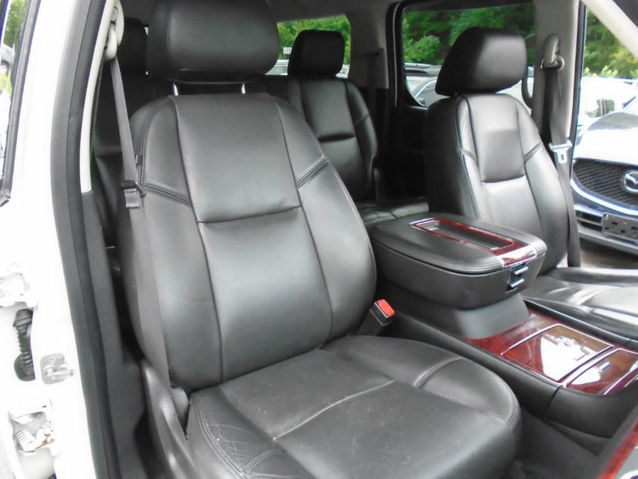 Used Cadillac Escalade ESV AWD 4dr Luxury 2013 | Jim Juliani Motors. Waterbury, Connecticut