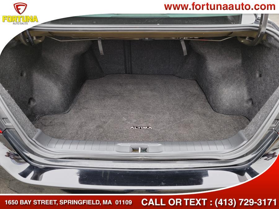 Used Nissan Altima 2.5 SV Sedan 2017 | Fortuna Auto Sales Inc.. Springfield, Massachusetts