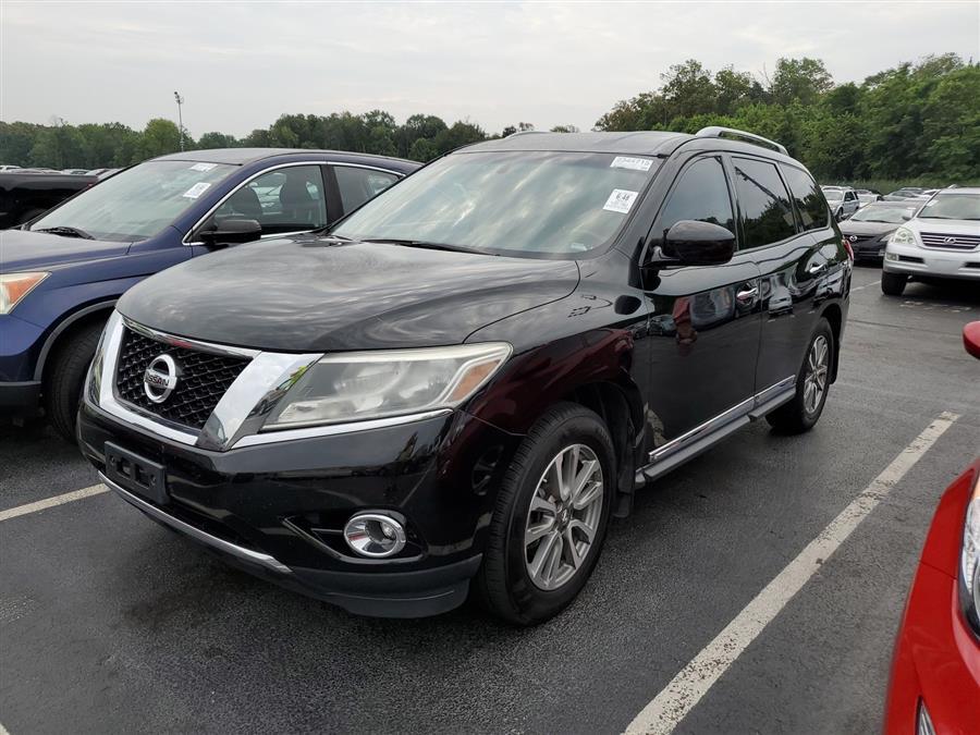 Used 2013 Nissan Pathfinder in Corona, New York | Raymonds Cars Inc. Corona, New York