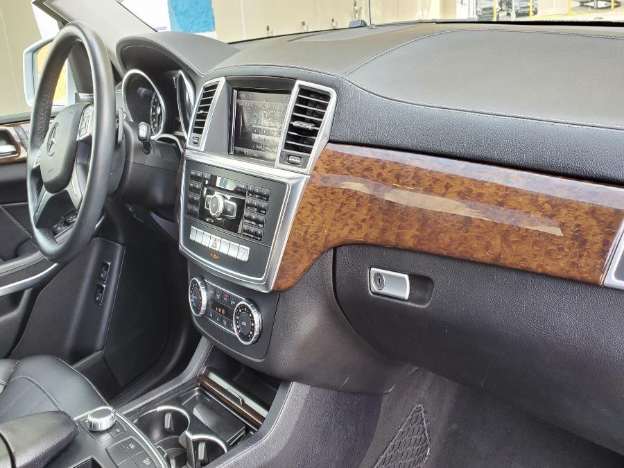 Used Mercedes-Benz GL-Class 4MATIC 4dr GL450 2013 | Capital Lease and Finance. Brockton, Massachusetts