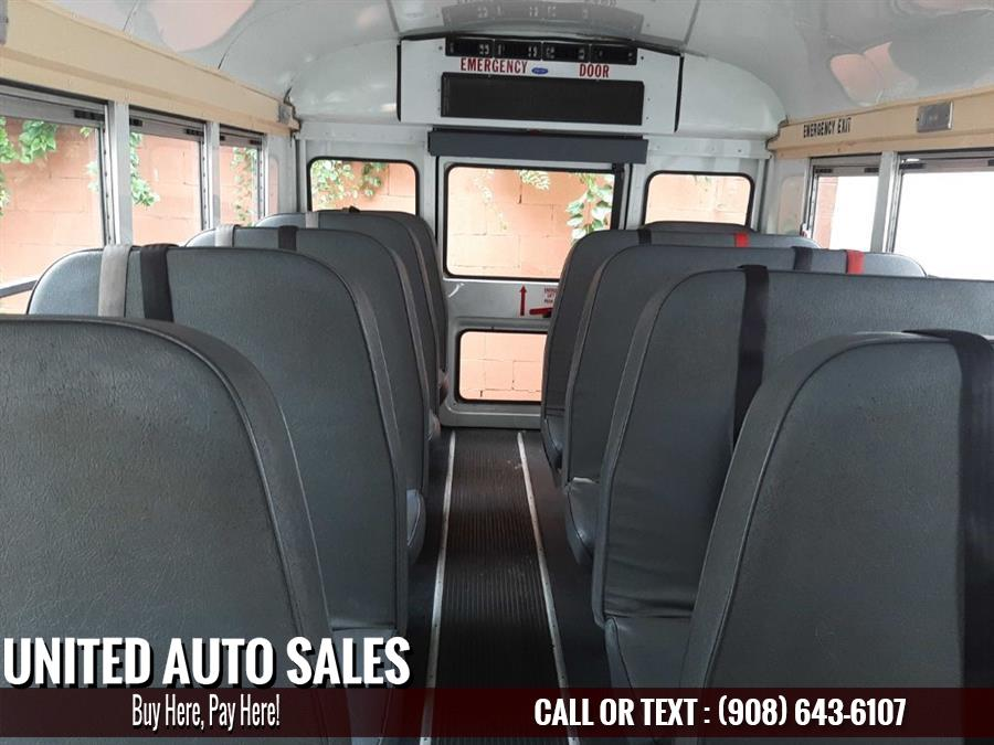 Used Chevrolet Schol Bus 24 p  2008 | United Auto Sale. Newark, New Jersey