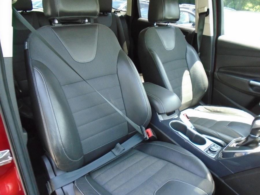 Used Ford Escape 4WD 4dr Titanium 2013 | Jim Juliani Motors. Waterbury, Connecticut