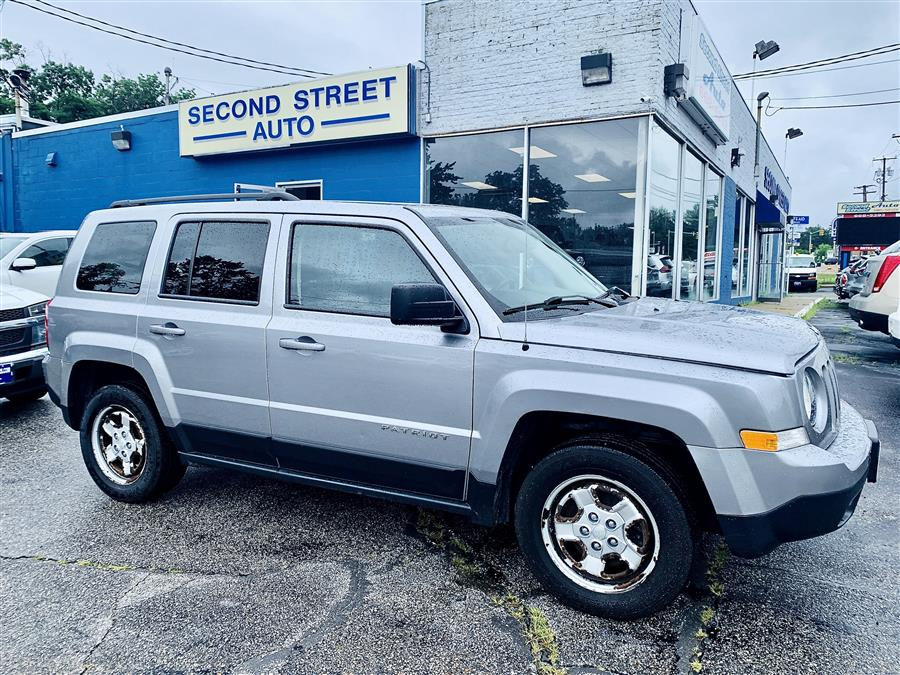 Used Jeep Patriot Sport SE FWD 2017 | Second Street Auto Sales Inc. Manchester, New Hampshire
