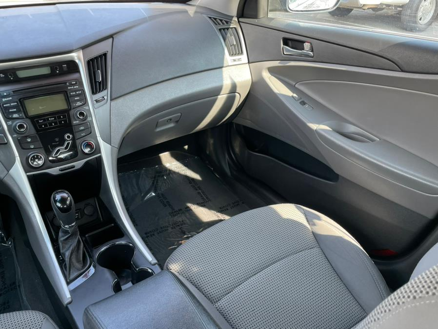 Used Hyundai Sonata 4dr Sdn 2.4L Auto GLS 2012 | Green Light Auto. Corona, California