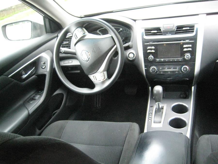 Used Nissan Altima 2.5 S 4dr Sedan 2015 | Rite Choice Auto Inc.. Massapequa, New York