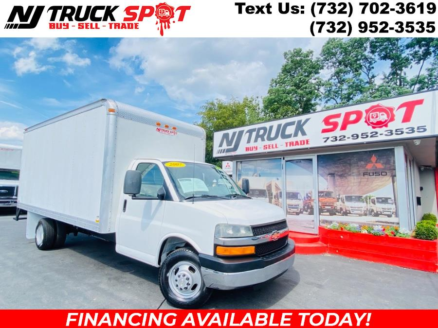 Used Chevrolet Express Commercial Cutaway 3500 16 FEET DRY BOX + NO CDL 2007 | NJ Truck Spot. South Amboy, New Jersey