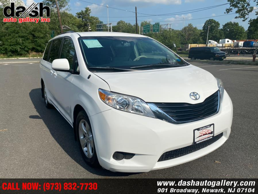 Used Toyota Sienna 5dr 7-Pass Van V6 LE AAS FWD 2014 | Dash Auto Gallery Inc.. Newark, New Jersey