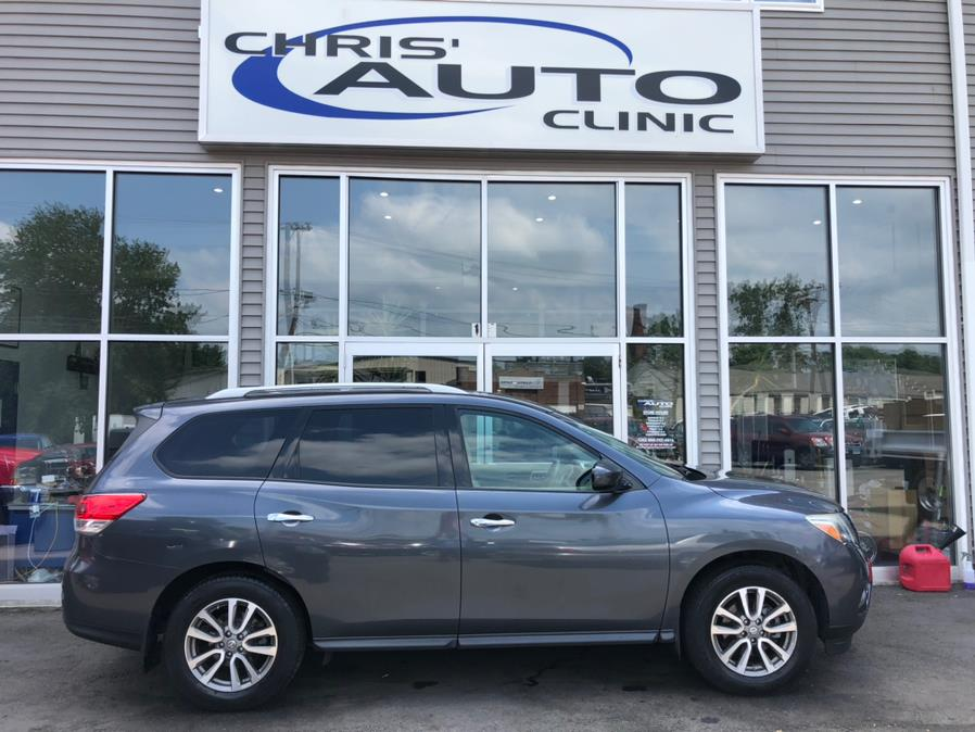Used 2014 Nissan Pathfinder in Plainville, Connecticut | Chris's Auto Clinic. Plainville, Connecticut