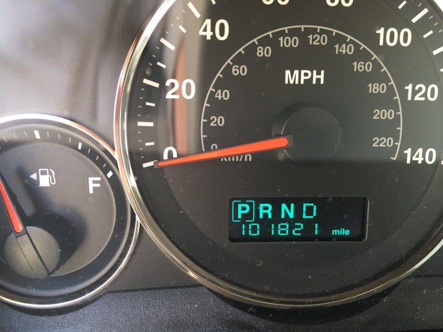 Used Jeep Grand Cherokee 4dr Limited 4WD 2005   MACARA Vehicle Services, Inc. Norwich, Connecticut