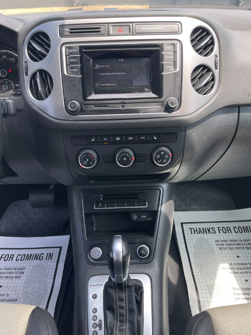 Used Volkswagen Tiguan 4MOTION 4dr Auto R-Line 2016   A-Tech. Medford, Massachusetts