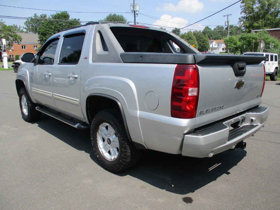 Used Chevrolet Avalanche 4WD Crew Cab LT 2011 | Suffield Auto Sales. Suffield, Connecticut