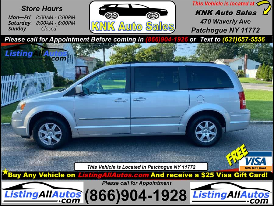 Used 2010 Chrysler Town & Country Touring in Patchogue, New York | www.ListingAllAutos.com. Patchogue, New York