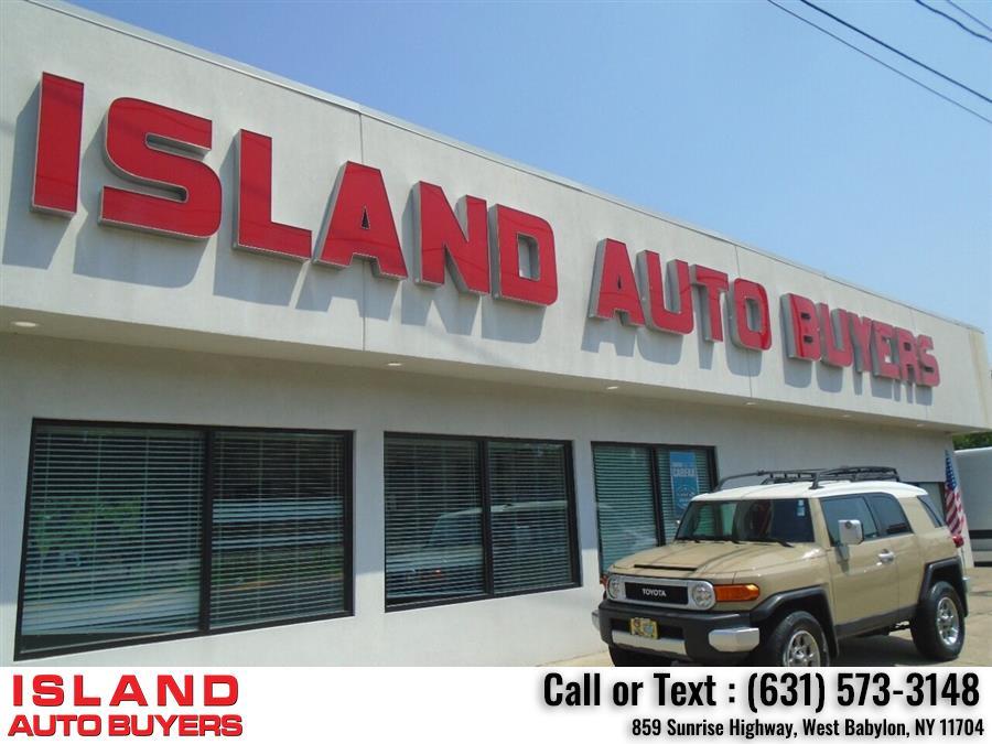 Used Toyota Fj Cruiser Base 4x4 4dr SUV 5A 2012 | Island Auto Buyers. West Babylon, New York
