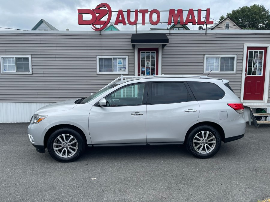 Used 2014 Nissan Pathfinder in Paterson, New Jersey | DZ Automall. Paterson, New Jersey