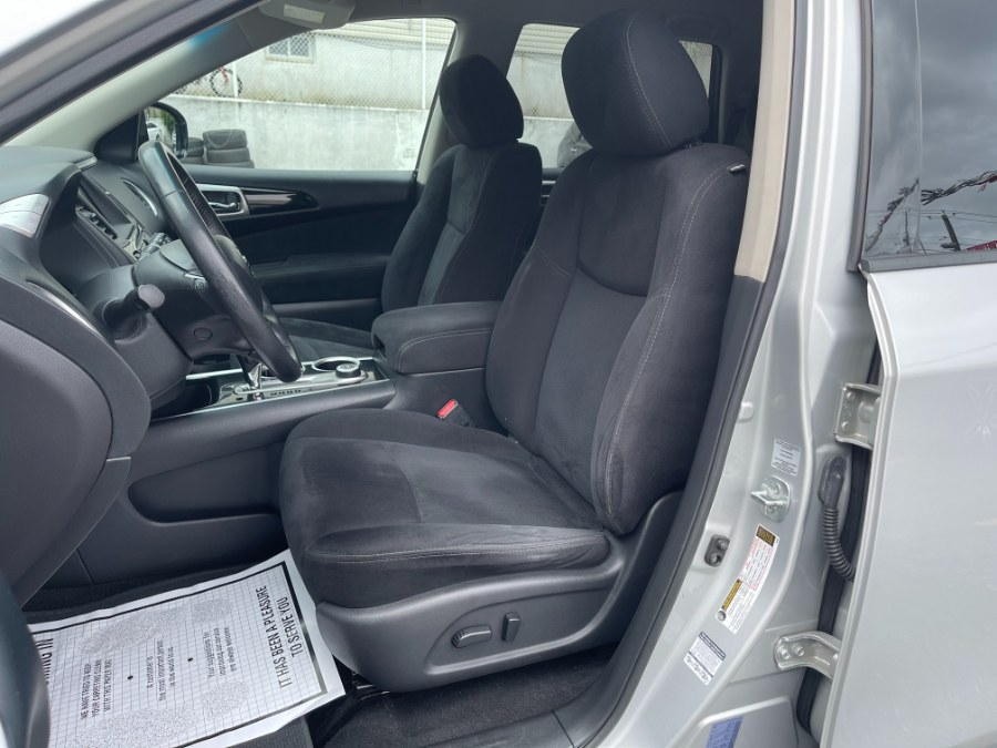 Used Nissan Pathfinder 4WD 4dr SV 2014   DZ Automall. Paterson, New Jersey