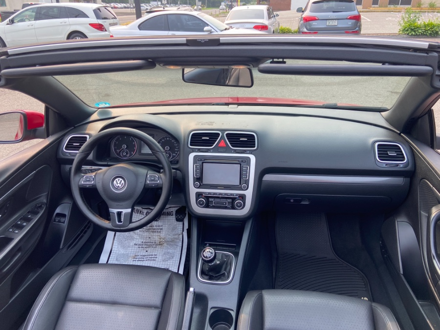 2011 Volkswagen Eos 2dr Conv Manual Komfort SULEV, available for sale in New Milford, CT
