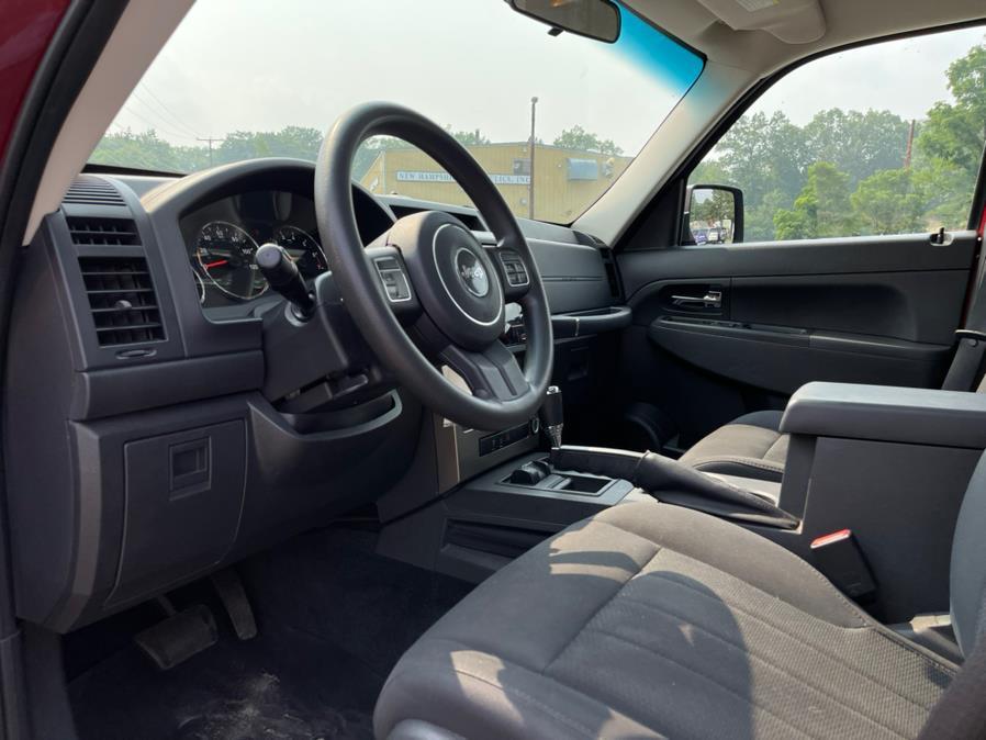 Used Jeep Liberty 4WD 4dr Sport Latitude 2012 | Merrimack Autosport. Merrimack, New Hampshire