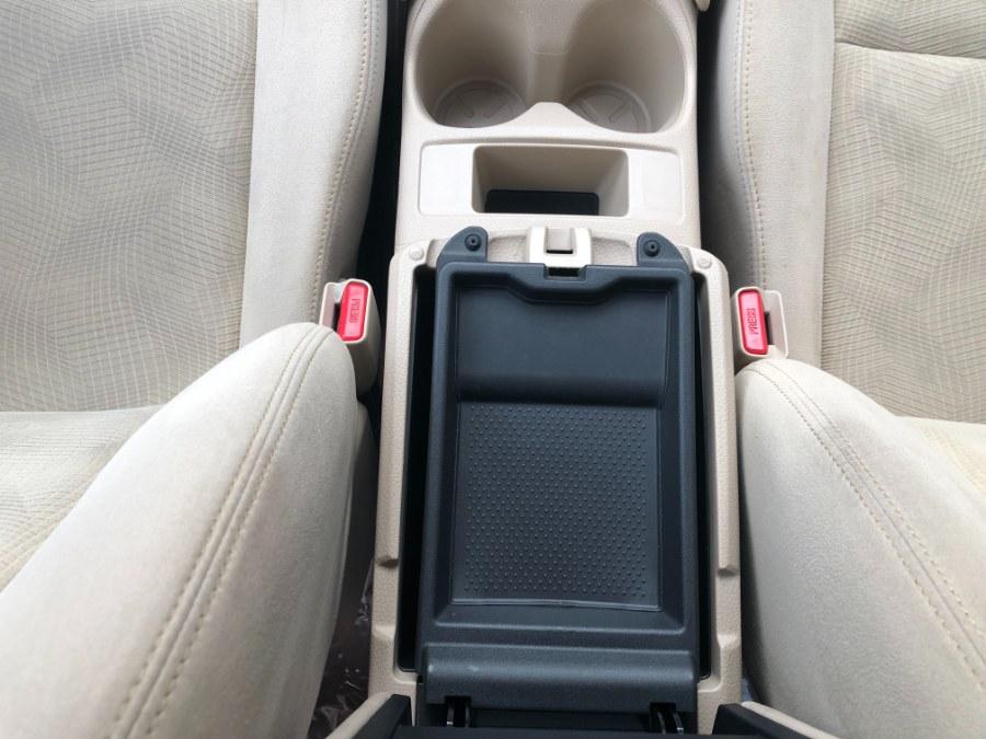 Used Nissan Rogue AWD 4dr SV 2014 | Bristol Auto Center LLC. Bristol, Connecticut