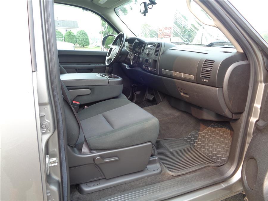 "Used GMC Sierra 1500 4WD Crew Cab 143.5"" SLE 2013 | Country Auto Sales. Southwick, Massachusetts"