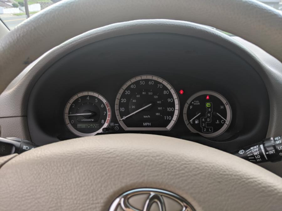 Used Toyota Sienna CE 5D WAGON 2006 | Melrose Auto Gallery. Melrose, Massachusetts