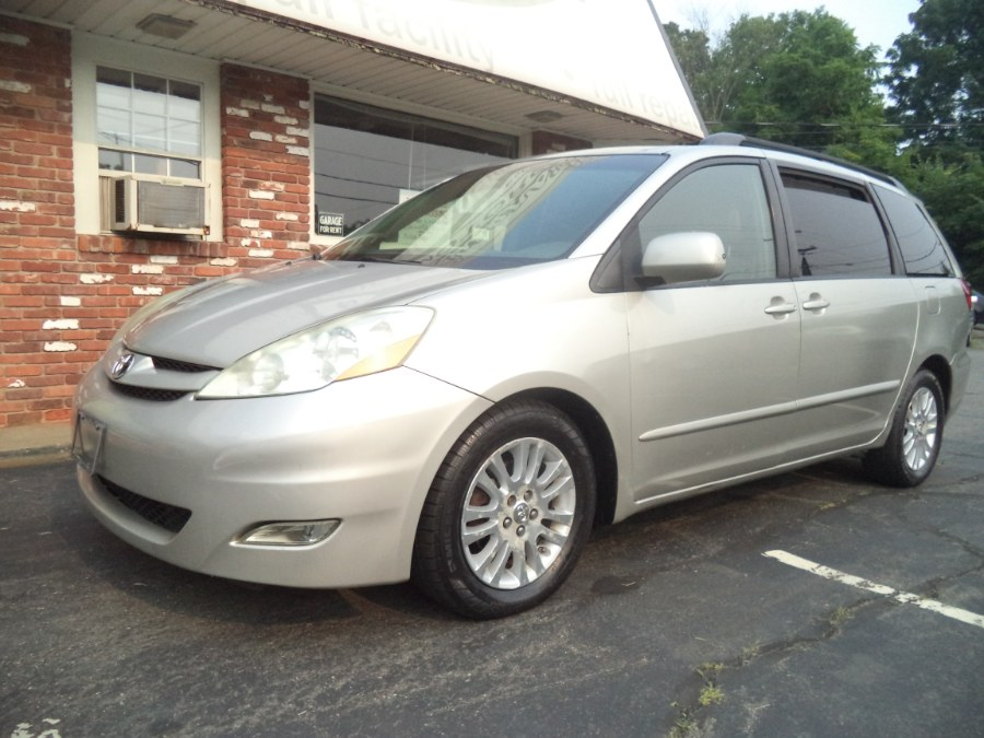 Used 2008 Toyota Sienna in Naugatuck, Connecticut | Riverside Motorcars, LLC. Naugatuck, Connecticut